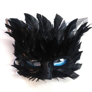 Halloween Feather Party Mask Black NWT